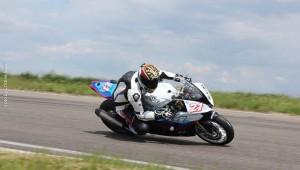 Catalin Cazacu pe motocicleta
