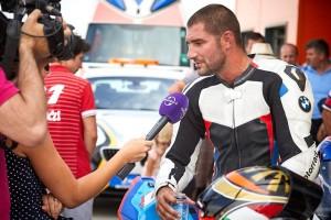 Catalin Cazacu interviu de pe motocicleta